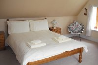 New Mills Holiday Cottage for families sleeps 8